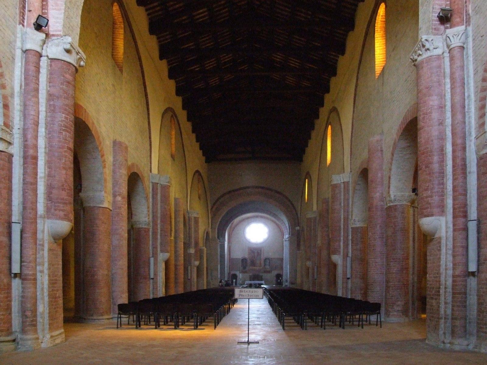 Fiastra, Abbazia di Chiaravalle